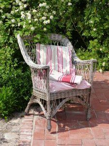 Welk meubilair past het beste in mijn tuin