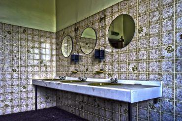 schimmel badkamer verwijderen